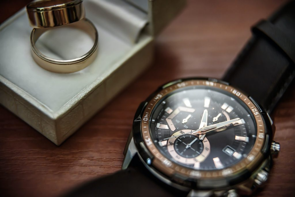 questions to ask before buying a used luxury watch